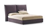 Стилни поръчкови тапицирани легла с голяма табла